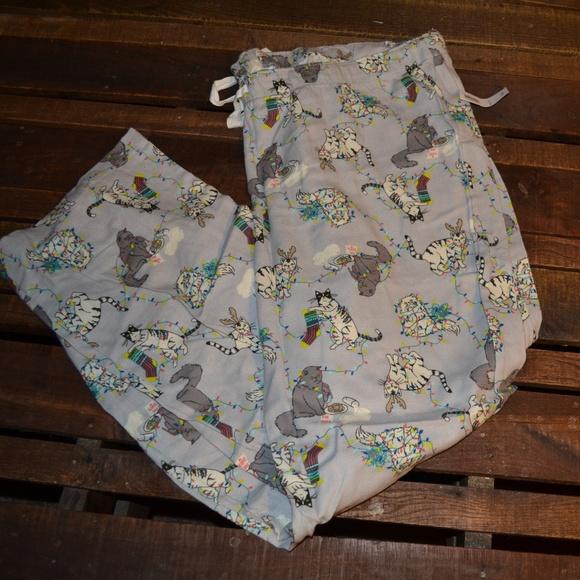 55556c174c NWT Old Navy Christmas Cat Pajama Bottoms